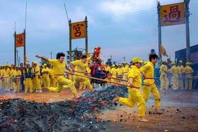 Jump Over The Devil Fire 2, Che  Arnaldo Paulo , Hong Kong