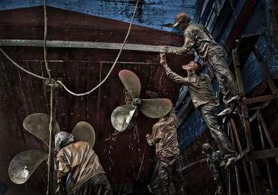 Ship Cleaning, Nguyen  Than , Vietnam
